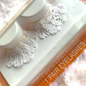 5/$25!🌟 False White Lace Eyelashes